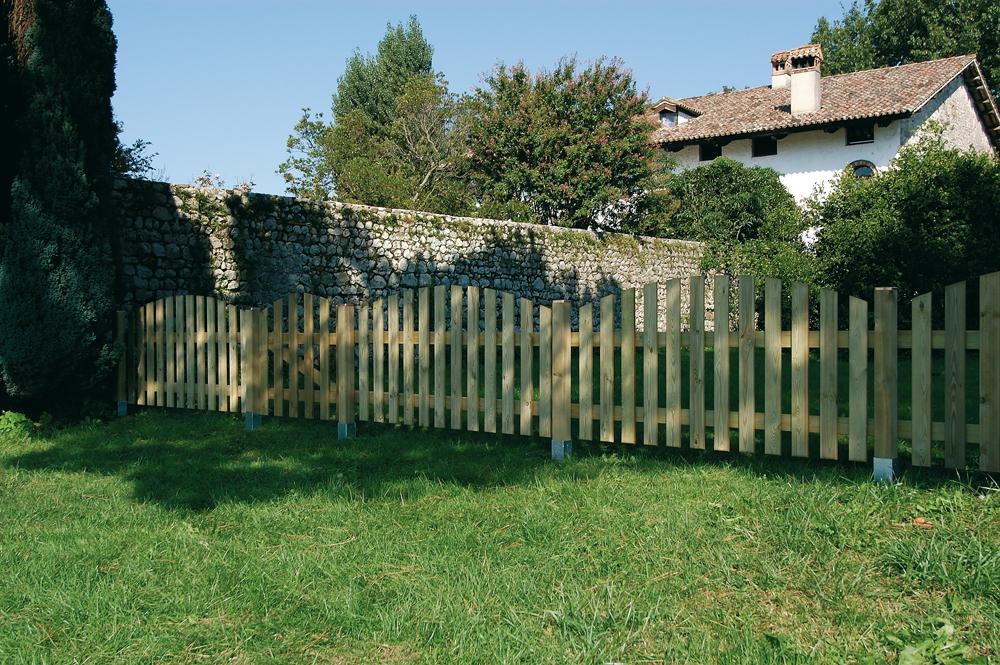 Staccionate in legno giardino staccionata in legno per giardini fai da te colorivernici - Staccionate in legno per giardino ...