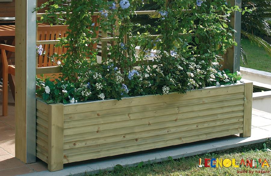 Legnolandia arredo giardino fioriera in legno mod spazio for Arredo esterno in legno