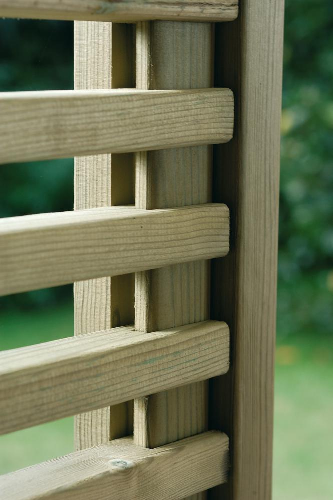 Legnolandia arredo giardino frangivista in legno mod for Arredo giardino in legno