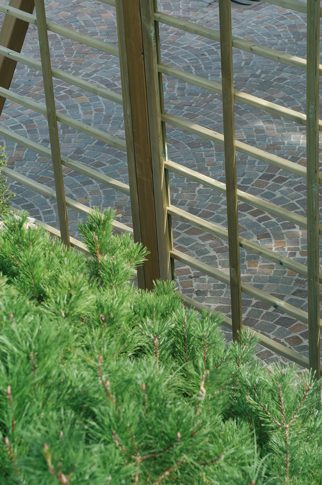 Legnolandia arredo giardino grigliato in legno mod spazio for Arredo giardino in legno